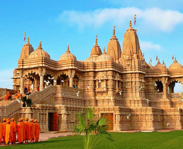 A Day of Temples & Castles: In Our Very Own Backyard |